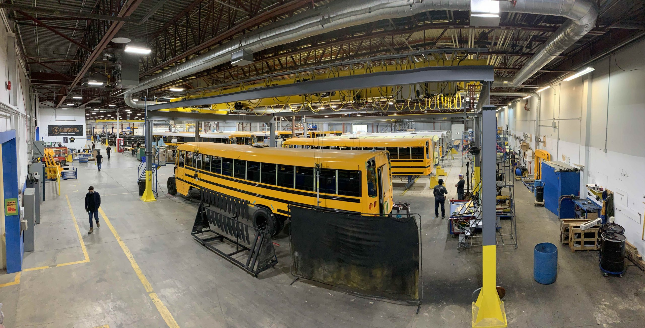 https://accelerervze.ca/home/bus-assembly_lion_electric-2/